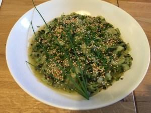 concombre lacto-fermanté, avec algues, sésame et ciboulette