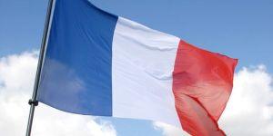 wpid-mntsdcardDownload889613_3_8bab_drapeau-tricolore-sur-le-toit-de-l-assemblee-1.jpg.jpg