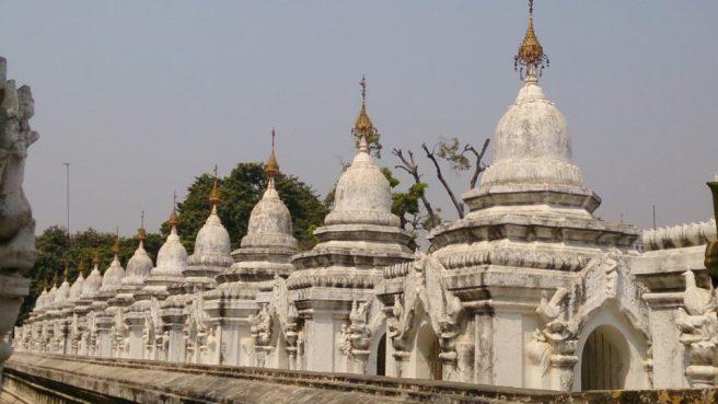 Kuthodaw Pagoda (il più grande libro del mondo e non è un modo di dire)
