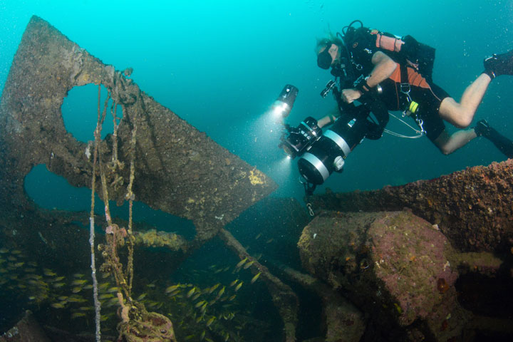 wreck diving in subic bay philippines