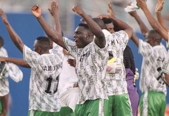 Kyawun alƙawari: Buhari ya yi wa Tawagar Super Eagles a gasar Tunisiya 1994 kyautar gidaje