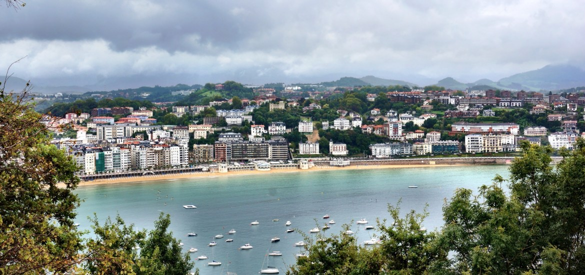 San Sebastián is a small beach town in northern Spain just over the border from Hendaye, France. It is fairly expensive and a pretty popular destination for the French and the Spanish.