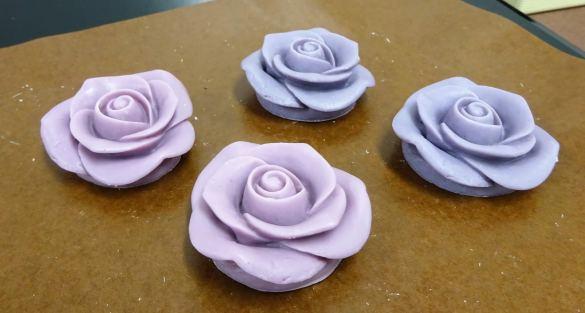 メサージュ・ド・ローズ エピーヌ 紫のバラ