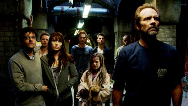 """O Abrigo (""""The Divide"""") - Um Filme Perturbador e Doentio sobre o Pior do Ser Humano  (4/6)"""