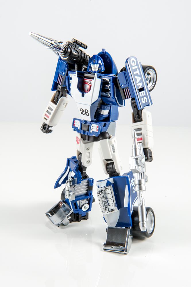 masterpiece mirage dx9 invisible transformers comparison mp