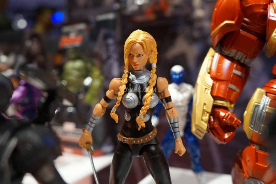 Marvel Legends dr Valkyrie 2015