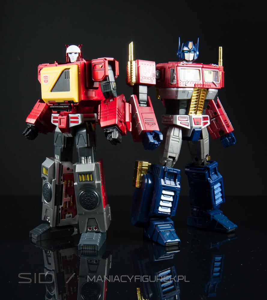 masterpiece blaster aka kfc transistor and mp optimus prime