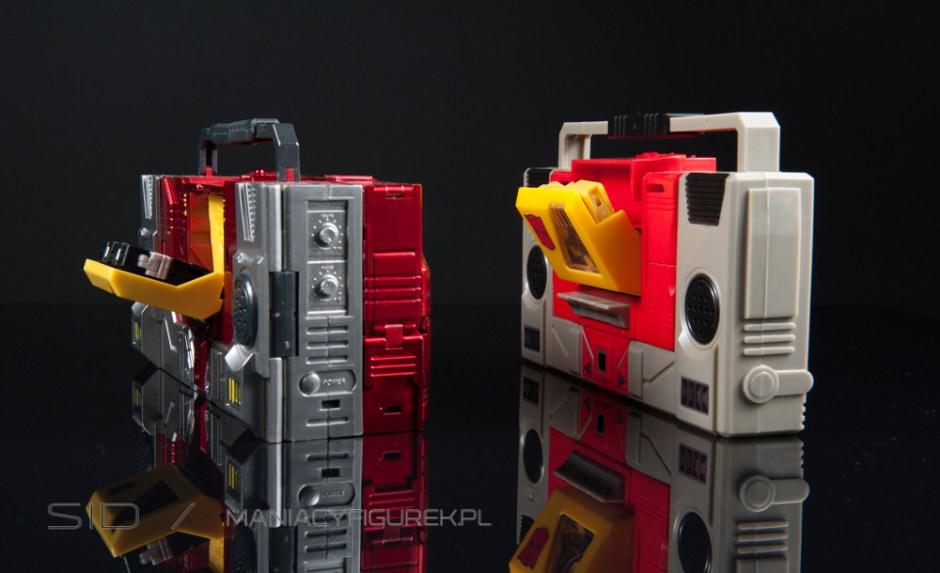masterpiece blaster aka kfc transistor and g1 blaster