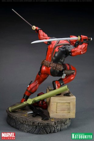 kotobukiya_deadpool_statua_2