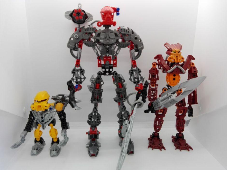 LEGO Bionicle 8924 Maxilos & Spinax Maxilos-comparison-1