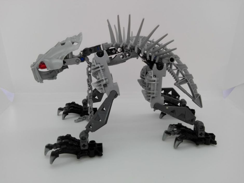 LEGO Bionicle 8924 Maxilos & Spinax Spinax-side