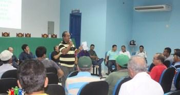 PREFEITO REÚNE COM REPRESENTANTES DAS COMUNIDADES SUBURBANAS PARA TRATAR ASSUNTOS DE MELHORAMENTO DAS ESTRADAS VICINAIS