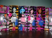 Monster High Dolls Copy Cats!