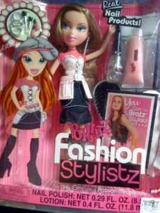 BRATZ LEAH NAIL FASHION DOLL