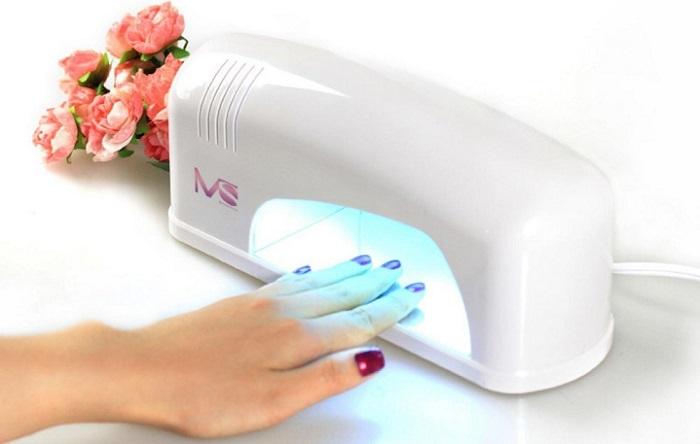 UV lambasında katmanların polimerizasyonu