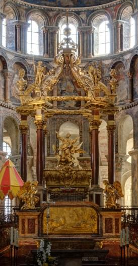 altar tomb of St Sernin in Basilica Saint Sernin