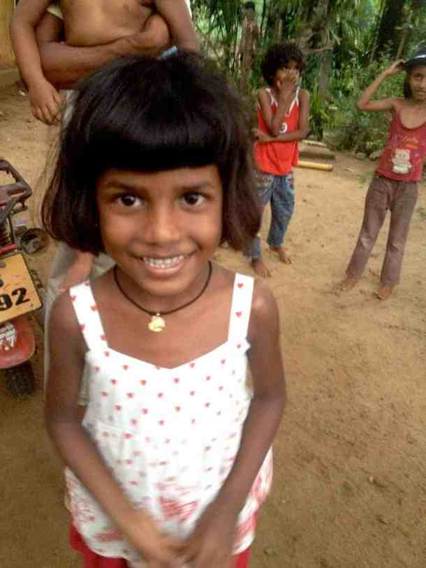 School kids in Kalutara-Sri Lanka. maninio.com #resortsrilanka #villaresort