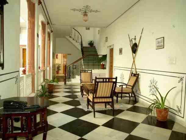 Rajasthan, Hotel in Jaipur. maninio.com #Jaipurhotel #Agradelhi