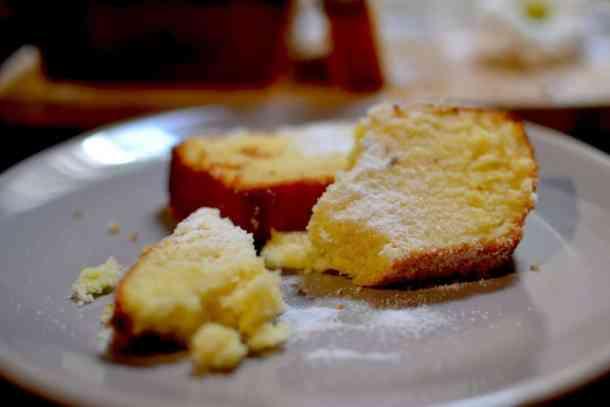 Κέικ Λεμονιού με Ελληνικό Γιαουρτάκι