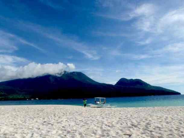 Exotic Islands in Philippines. maninio.com #tourismcamiguin #visitcamiguin