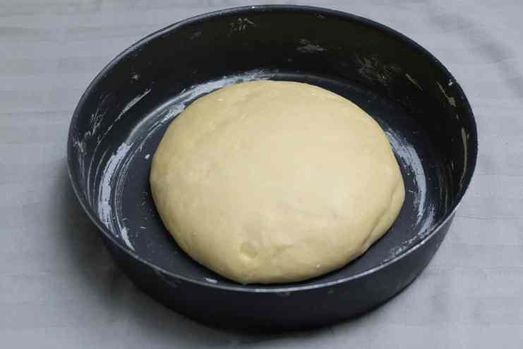 cinnabon rolls dough ready to rest- maninio.com #cinnabonrolls #cinnamontreats