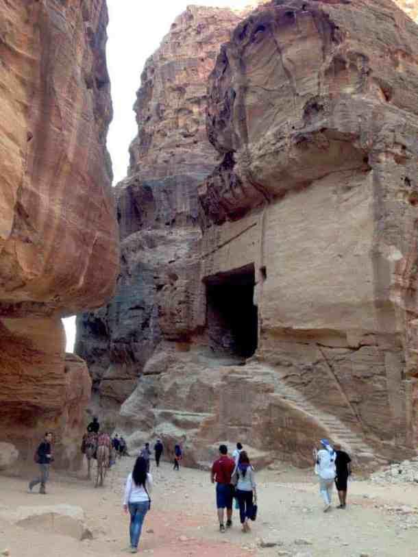 Petra Jewel of Jordan - maninio.com - Jordan wonders - Siq entrance - travel