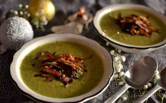 Creamy Broccoli Soup with Baked Onions – Vegan