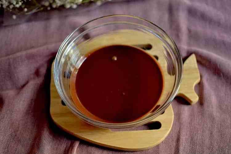 Peanut Chocolate sauce. maninio.com