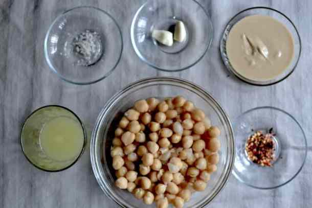 Arabic Hummus ingredients maninio.com #arabichummus #hummusrecipe