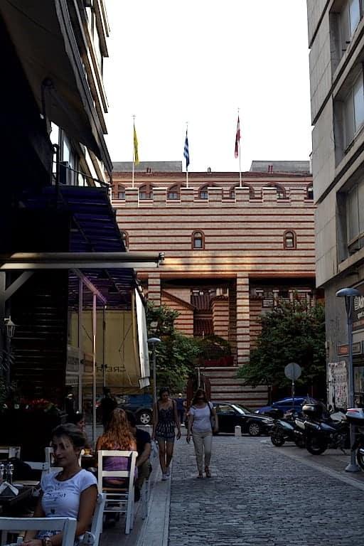 Roots, Thessaloniki. maninio.com #veganfoodingreece #greekvegan