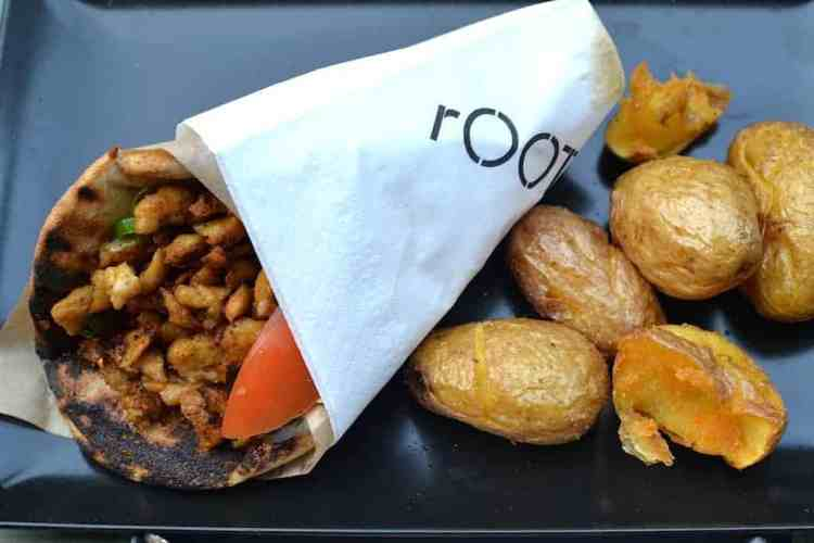 Gyros dish at Roots, Thessaloniki. maninio.com #veganfoodingreece #greekvegan