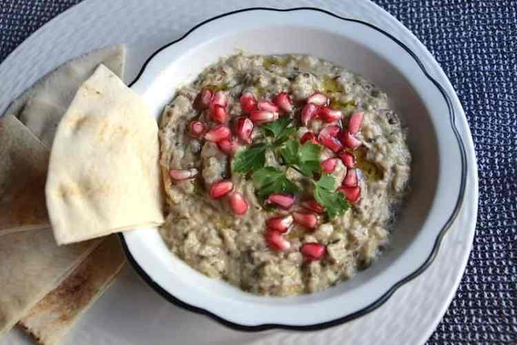 Serve the Moutabal (Baba Ganoush) | Middle East - Vegan. maninio.com