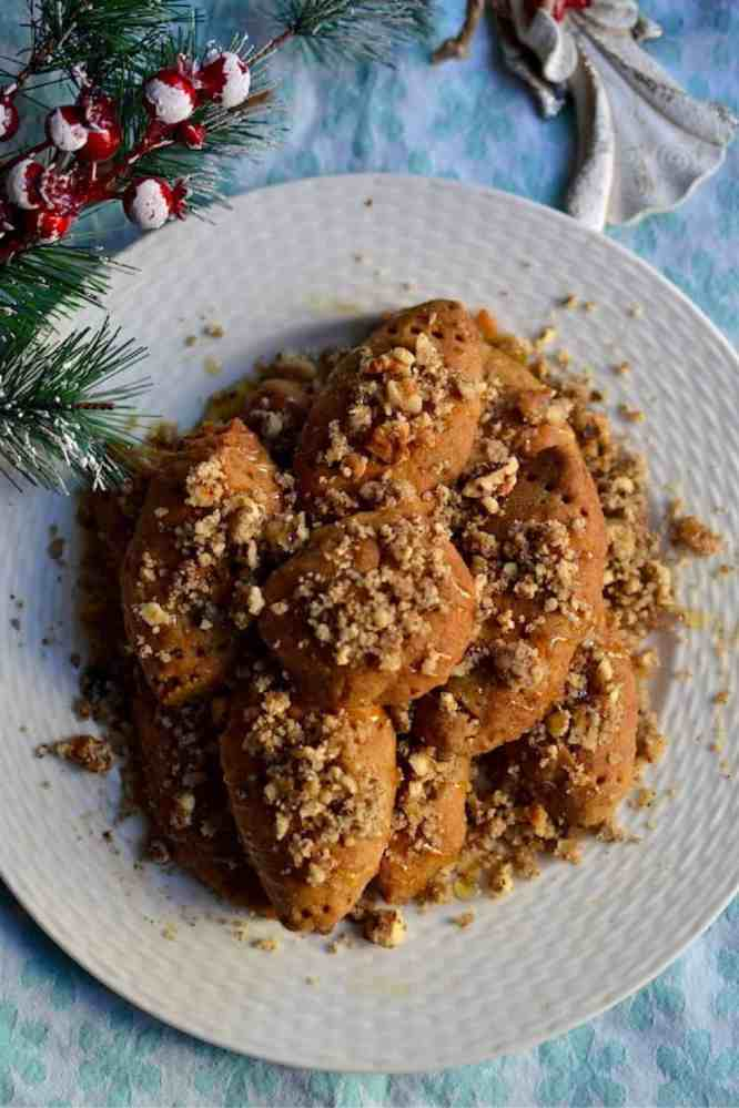 Serve the New Year's Cookies (Melomakarona) | Greek | Low in Calories. maninio.com