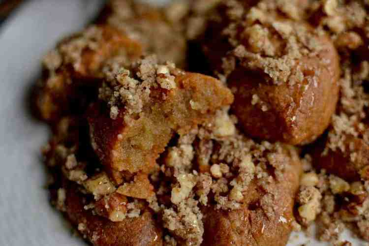 Crunchy and juicy Christmas Cookies (Melomakarona) | Greek | Low in Calories. maninio.com