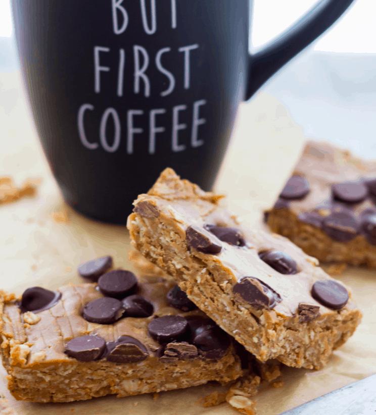 Servingrealness - Vegan peanut butter oat bar no bake - Vegan Healthy Breakfast Ideas to Start your day. maninio.com