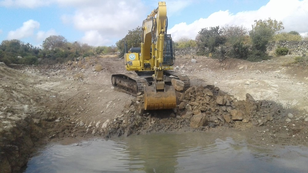 Büyükşehir gölet temizliklerine devam ediyor