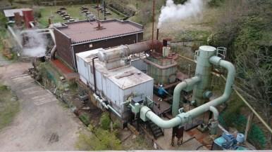 九重観光ホテル地熱発電施設 冷却塔から