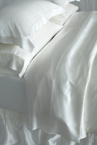 Silk Sheet Sets   Simply the Best 100  Pure Mulberry Silk Sheet Sets More Views
