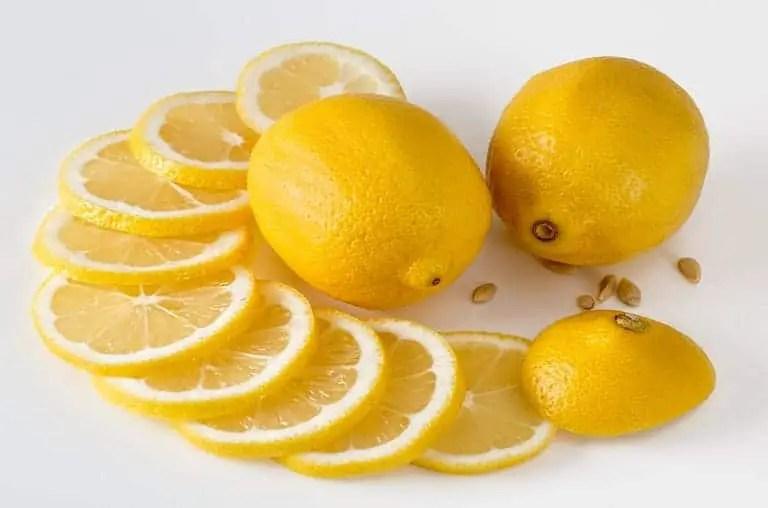 cara memutihkan wajah dengan lemon