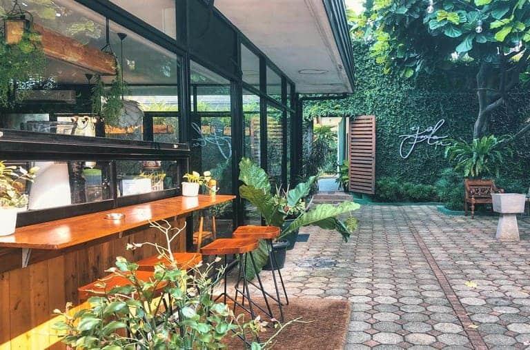 tempat nongkrong di bintaro yamalu cafe
