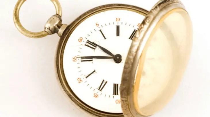 3. Berhenti Membuang Waktu Dengan Mengeluh
