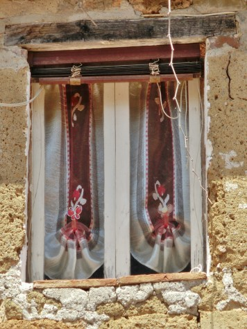 Sovana window