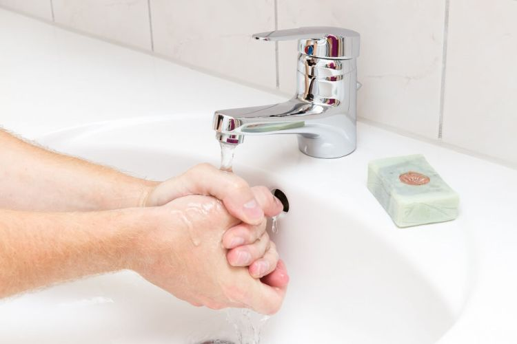 How to wash your hands properly step 6