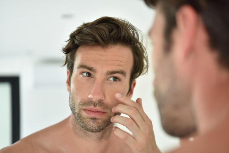 How to apply eye cream or serum