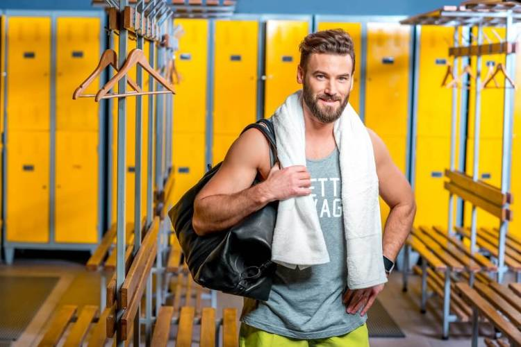 What is the best gym bag to buy for men