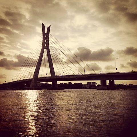 www.instagram.com/@adedotunajibade