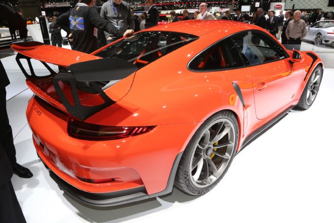 manly.ng 2016-porsche-911-gt3-rs-front-end (4)