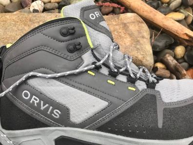 orvis-ultralight-wading-boots-review-eyelets