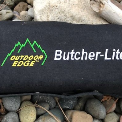 This photo shows the roll-pack included with the Outdoor Edge ButcherLite.