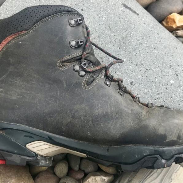 This photo shows the Zamberlan 996 VIOZ GTX boots from the side view.